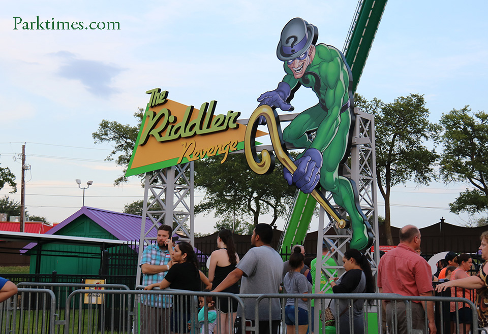 Riddler Revenge Sign Six Flags Over Texas
